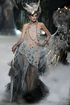 Fall 2005 Couture Christian Dior
