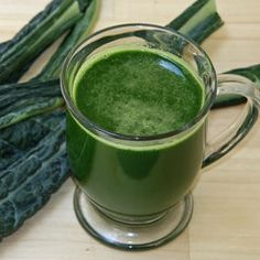 4 leaves kale 1 organic cucumber 3 cups organic spinach 5 stalks organic celery 1/2 bunch organic parsley Add apple and/or ginger for a sweeter more robust flavor.