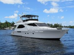 70 Queenship 2002 70' QUEENSHIP For Sale in Fort Lauderdale, Florida, US