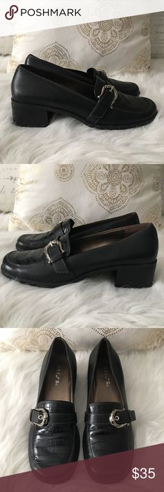 Unisa Utoppia Black Leather Loafers Size 8 1/2 Size 8 1/2 B🔸Style is Utoppia🔸Color is Black🔸Like New, worn once Unisa Shoes