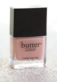 lindo color natural para resaltar el color brillo en tus uñas, claro haciendo un buen manicure