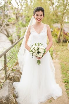 Blushing Bride | http://brideandbreakfast.ph/2015/10/11/a-journey-for-two/ | Photo: Den Llanos Dee