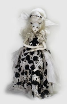 What's up! trouvaillesdujour: Andrew Yang's Couture Dolls
