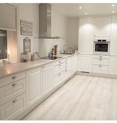 39 What You Need to Do About Modern Kitchen Cabinet Design Ideas - walmartbytes Kitchen Room Design, Kitchen Cabinet Design, Home Decor Kitchen, Kitchen Living, Interior Design Kitchen, Home Kitchens, Kitchen Ideas, Modern Kitchen Cabinets, Kitchen Flooring