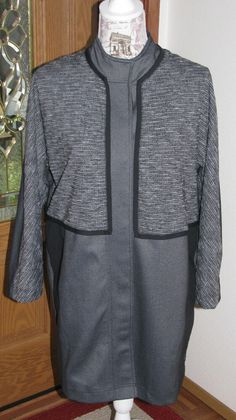 afac4075b1767 LuLuLemon Small Athletica Cocoon Car Coat Gray Black Hidden Snap Front   LuLuLemon  ActivewearLongSleeve Lycra