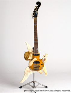 ESP Angel Classic http://homepage2.nifty.com/rockn-rose/guitars/angelclassic.html ... へー・・・