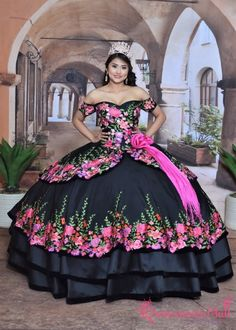 Quinceanera dresses, decorations, tiaras, favors, and supplies for your quinceanera! Many quinceanera dresses to choose from! Quinceanera packages and many accessories available! Mexican Quinceanera Dresses, Mexican Dresses, Quinceanera Decorations, Quinceanera Party, Baptism Decorations, Quinceanera Planning, Charro Dresses, Vestido Charro, Western Dresses