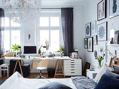 В доме нет места для отдельного кабинета? Его вполне можно обустроить в любой из комнат – например, в спальне. Сделайте хобби элементом декора – например, украсьте стены своими картинами, выберите удобный и стильный стул и разместите все канцелярские принадлежности в красивых подставках. #IKEA #ИКЕА #ИКЕАРоссия