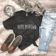 Rosebud's Best Sellers Home Grown Corn Graphic Tee, Farm Graphic Tee, Rosebud's Designs and Apparel, Trendy Outfits, Cute Outfits, Fashion Outfits, Emo Fashion, Farm Fashion, Fasion, Tees For Women, Clothes For Women, Fashion Models
