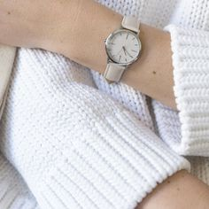 Nougat an white looking amazing in this shot by @kristenannie | #regram #freedomtoexist #fte3004 #watch #Nougat #chunkyknitt #minimaldesign