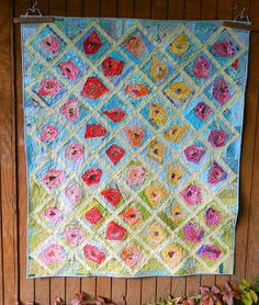 I've had so much fun making this quilt. It was mindless scrappy sewing. It doesn't get much better than that. A tutorial for making these f. Quilting Projects, Quilting Designs, Julie Ann, Quilt Tutorials, Amelie, Aunt, Ems, Feathers, Scrap