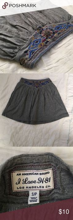FOREVER21 tribal print skirt Gray skirt made out of jersey material with cute tribal hem Forever 21 Skirts