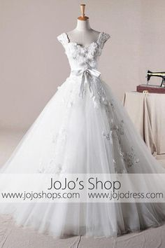 Strapless Floral Organza Ball Gown Wedding Dress