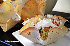 ,,Kebab w miseczkach z tortilli''   Tacos, Mexican, Ethnic Recipes, Party, Food, Essen, Parties, Meals, Yemek