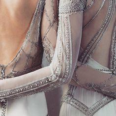 { BRIDE } The detail known as... the #Gwendolynne 💎💎💎 @gwendolynne #LannahDunn #LDantiques #VintageRomance #bridetobe #bridetobeloves…
