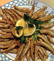 """RECETA: """"Boquerones fritos (Fried Anchovies) from Andalucía Best Spanish Food, Spanish Dishes, Good Foods To Eat, Fish Dishes, Mediterranean Recipes, Fish And Seafood, International Recipes, No Cook Meals, Food Inspiration"""
