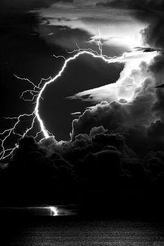 black & white - lightning sky.