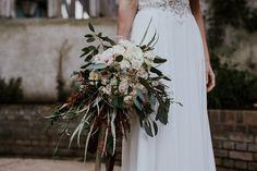 Rustic Winter Bouquet | Justin Alexander Wedding Dress | The Happenstance Bar London | Winter Wedding | Jessica Williams Photography | http://www.rockmywedding.co.uk/olivia-alex/