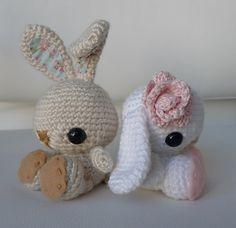 Adorable amigurumi bunnies!