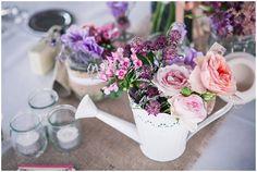 Rustic wedding flowers - © Matt Guegan Photography