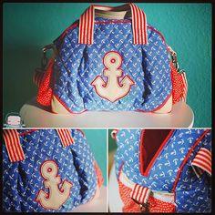 #kugeltasche von @farbenmix zum ersten Mal genäht und für #volltoll befunden. Aus schönstem #steppstoff @frau_tulpe Stoffe 💕🎈 #radiokopf #nähenmachtglücklich #nähenistwiezaubernkönnen #taschennähliebe #frautulpe Patchwork Bags, Sewing Hacks, Diaper Bag, Lunch Box, Instagram Posts, Pattern, Denim, Fashion, Beautiful Bags
