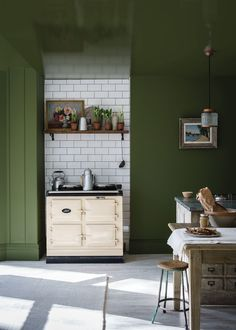 Revamp Your Home Interior Decor With Farrow & Ball 9 New Paint Colors Farrow Ball, New Kitchen, Kitchen Decor, Kitchen Ideas, Vintage Kitchen, Rustic Kitchen, Vintage Stove, Rooster Kitchen, Kitchen Seating