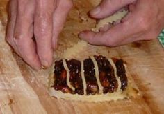 Pitelli – Christmas Fruit Mince Tarts from Southern Italy – The Authentic Vino Cotto