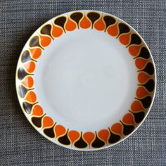 I'm looking for this dinnerware, especially for plates. If anybody knows where I can buy it, please leave a comment. Thanks! And feel free to share ;) Eschenbach Bavaria Geschirr Teller mid-century Retro Vintage Crockery dish dishes