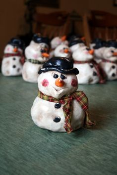 Items similar to Primitive Folk Art Snowman on Etsy Clay Projects For Kids, Kids Clay, Christmas Craft Projects, Polymer Clay Projects, Holiday Crafts, Primitive Snowmen, Primitive Folk Art, Primitive Christmas, Christmas Snowman