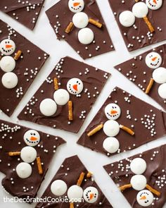 Snowman chocolate bark for a sweet Winter and Christmas treat. Easy fun food idea for the holidays.