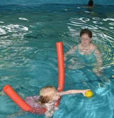 Teach your toddlers swimming using my tips, learn to swim games and confidence building exercises Swimming Games, Toddler Swimming, Swimming Tips, Swimming Coach, Swimming Lessons For Kids, Swim Lessons, Fun Learning, Teaching Kids, Confidence Building Exercises