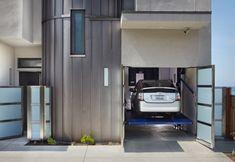 Breaking Bad actor Bryan Cranston's home outside Los Angeles; 3 Palms by Allen Associates & Turturro Design via @HomeDSGN