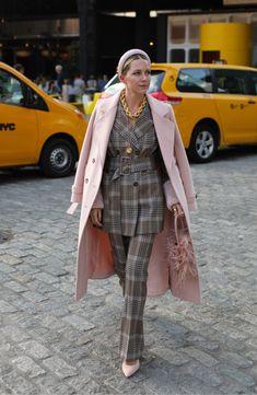 Halogen® x Atlantic-Pacific Button Detail Plaid Flare Pants (Nordstrom Exclusive) Fashion Week, Look Fashion, Fashion Outfits, Fashion Trends, Street Fashion, Fall Fashion, Plaid Tights, Interview Attire, Atlantic Pacific