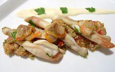 Ensalada de quinoa con granada, navajas y berberechos. Un plato para sorprender a tus comensales.