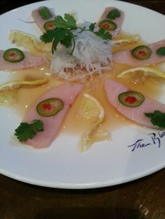 yellowtail sashimi and mango puree - 236×314