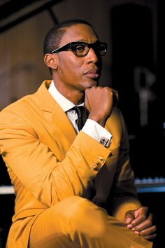 RAPHAEL SAADIQ YELLOW SUIT, GLASSES AND CUFF LINK ready