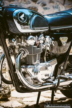 Honda Motors, Honda Bikes, Honda S, Classic Honda Motorcycles, Vintage Motorcycles, Moto Bike, Motorcycle Bike, Honda Cb Series, Cb 450