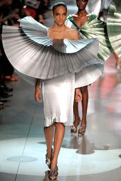 Paco Rabanne Spring 2012 Ready-to-Wear Fashion Show - Cora Emmanuel (OUI)