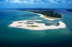 Uma das regiões mais belas do Brasil, um santuário ecológico na Península de Maraú na Bahia.
