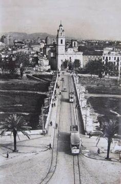El puente de Serranos y Santa Mónica desde las torres de Serranos.Fotografía de los años 40 del siglo XX / cities / vintage / photography