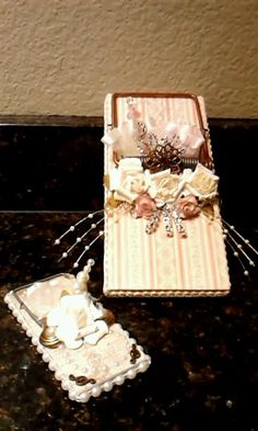 altered mouse traps Mouse Trap Diy, Mouse Traps, Upcycled Crafts, Diy And Crafts, Paper Crafts, Craft Projects, Projects To Try, Craft Ideas, Collages