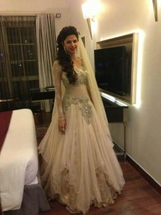 Indian Fashion Scrapbook: Photo...wow! She is beautiful and that dress is awesome!