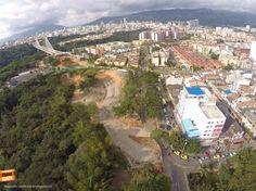 Desde el aire se puede apreciar cuánto ha crecido nuestra Bucaramanga. Gracias @BNnoticias por la foto #bucaramangabonita