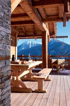 Sunny patio for this chalet Chalet Style, Ski Chalet, Cabin Homes, Log Homes, Log Cabin Living, Mountain Homes, Cozy Cabin, Cabins In The Woods, Architecture