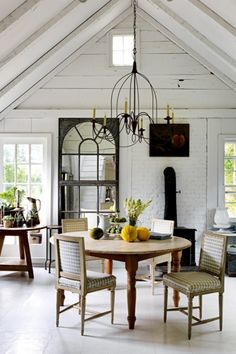 House tour: the idyllic Hamptons cottage of two antique dealers - Vogue Living