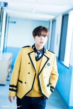 Wanna-One - Park Jihoon - Congratulations for graduating high school! Sopa School, Cho Chang, Lai Guanlin, K Pop Star, Produce 101 Season 2, Kim Jaehwan, Ha Sungwoon, Ji Sung, Seong