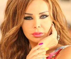 صور: رولا سعد تنشر رسالة إلى من يحاول استفزازها بجوار سيارتها! #سيارات_المشاهير #تيربو_العرب #صور #فيديو #Photo #Video #Power #car #motor #Celebrities