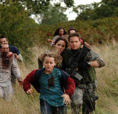 Zombie Movies, Scary Movies, 28 Days Later, Fear The Walking Dead, Jeremy Renner, Vintage Marketplace, Horror Films, Zombie Apocalypse, Classic Movies