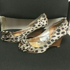 Guess Wedges Cheetah print. Guess peep toe wedges with a bow. Women's 10. Guess Shoes Wedges