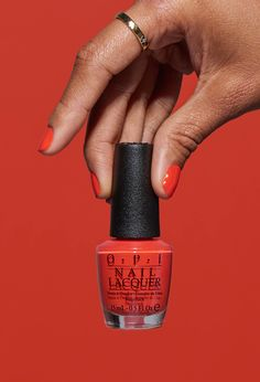 This orange-red is almost as gorgeous as you. 'Me My Selfie and I' from OPI California Dreaming. Many women prefer … Opi Gel Nails, Opi Gel Polish, Opi Nail Colors, Orange Nail Polish, Red Orange Nails, Green Nails, Orange Red, Love Nails, Make Up